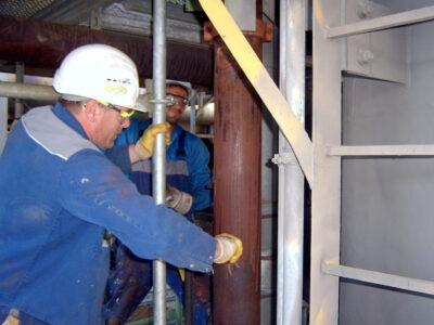 Corroded pipevork u rafineriji